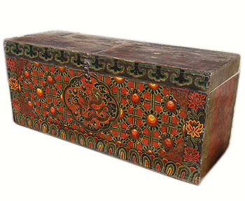 Tibetan chest with dragon, 2